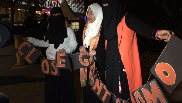 Demonstration held at US Embassy London on night of Elections Vote - Sputnik International