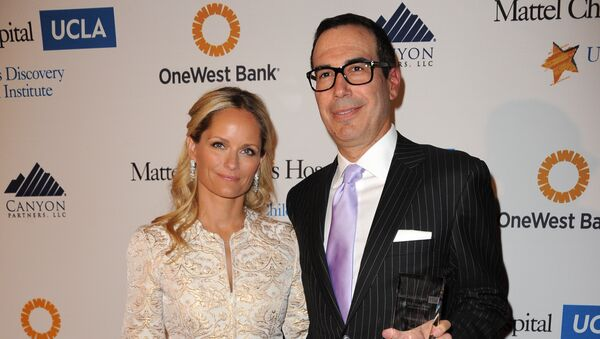 Heather Mnuchin, left, and Steven Mnuchin arrive at The Kaleidoscope Ball's Designing The Future at the Beverly Hills Hotel on Wednesday, April 17, 2013 in Beverly Hills, Calif - Sputnik International