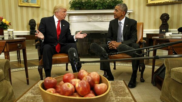 US President Barack Obama meets with President-elect Donald Trump to discuss transition plans in the White House Oval Office in Washington, US, November 10, 2016. - Sputnik International