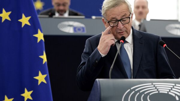 European Commission's President Jean-Claude Juncker delivers a speech as he makes his State of the Union address to the European Parliament in Strasbourg, eastern France, on September 14, 2016. - Sputnik International