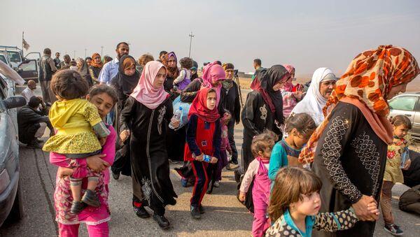 Kurdish Shabaks leave towns and villages around Mosul - Sputnik International