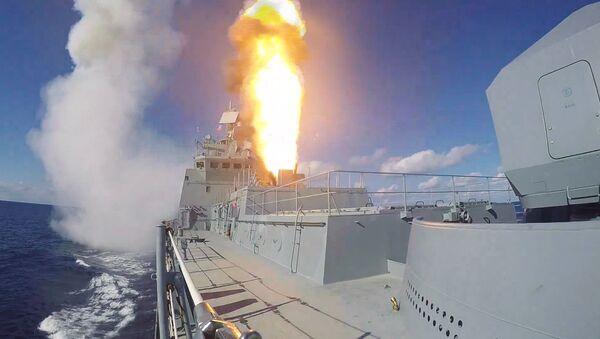 Admiral Grigorovich frigate launches Kalibr missiles on terrorist targets in Syria - Sputnik International