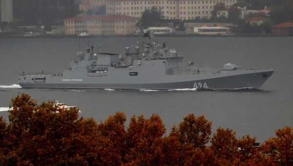 The Russian Navy's frigate Admiral Grigorovich sails in the Bosphorus on its way to the Mediterranean Sea, in Istanbul, Turkey, November 4, 2016 - Sputnik International