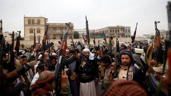 Tribesmen attend a tribal gathering to show support to the Houthi movement in Sanaa, Yemen November 10, 2016 - Sputnik International