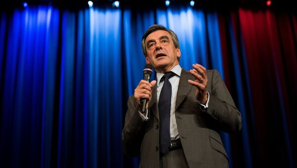 Right-wing Les Republicains (LR) party's candidate for the party's primary ahead of the 2017 presidential election, Francois Fillon (File) - Sputnik International