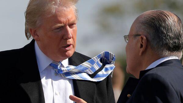 Republican U.S. presidential nominee Donald Trump speaks with former New York mayor Rudy Giuliani (File) - Sputnik International