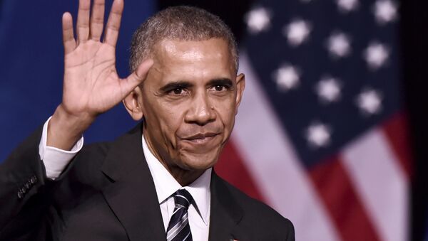 US President Barack Obama waves to the crowd after delivering a speech at the Niarchos foundation in Athens on November 16, 2016 at the end of his official visit in Greece - Sputnik International