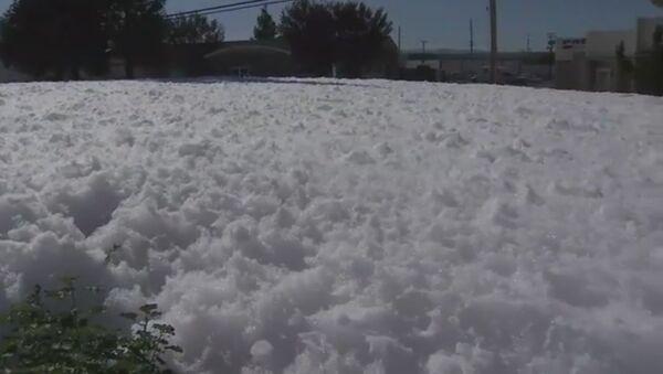Giant Foam Blob Fills California Streets - Sputnik International