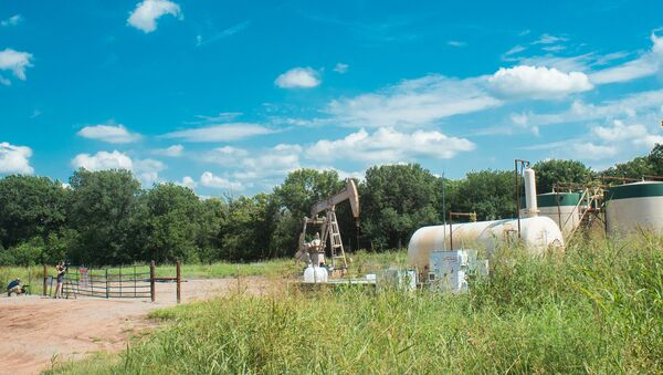 An oil pump jack operating in Oklahoma where recent earthquakes have put the spotlight on the inudstry and its controversial methods of #fracking. - Sputnik International