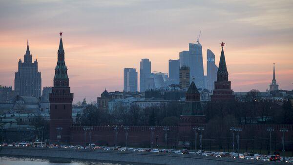 View of the Moscow Kremlin from the Bolshoy Moskvoretsky Bridge. (File) - Sputnik International
