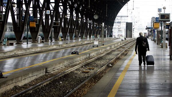 A view of the empty platforms at the main Centrale train station of Milan, Italy (File) - Sputnik International