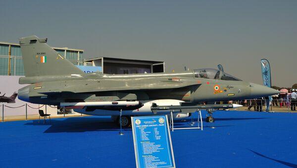 Tejas Light combat aircraft and Astra MK-I missile - Sputnik International