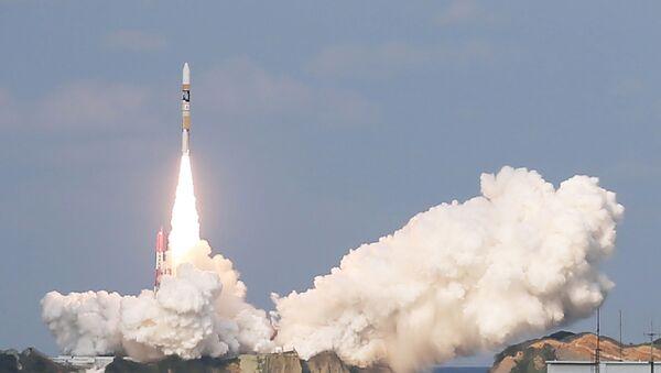 Japan's H-2A rocket, carrying a Himawari-9 weather satellite, is launched at the Tanegashima Space Center in Tanegashima Island in Kagoshima Prefecture on November 2, 2016 - Sputnik International