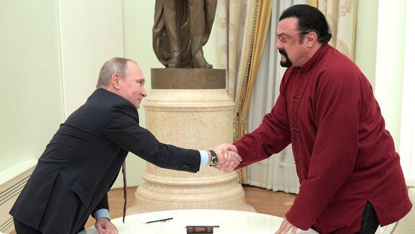 President Putin meets with US actor Steven Seagal - Sputnik International
