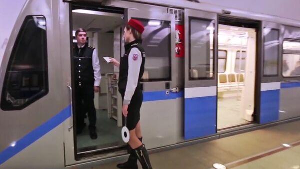 Moscow Metro #MannequinChallenge - Sputnik International