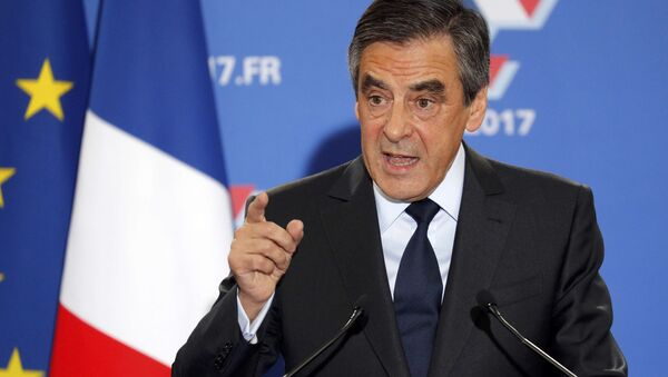Francois Fillon, former French prime minister and member of Les Republicains political party, delivers his speech after partial results in the second round for the French center-right presidential primary election in Paris, France, November 27, 2016. - Sputnik International