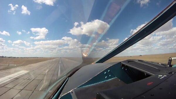Russia's Sukhoi Su-34 Fullback tactical bomber departs from the Hamadan air base. (File) - Sputnik International