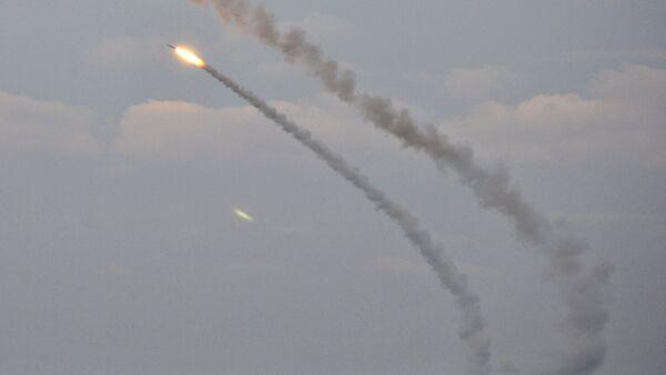 Ukrainian missile complexes launch medium range guided missiles during military drills in southern Kherson region bordering Crimea, Ukraine, December 1, 2016 - Sputnik International