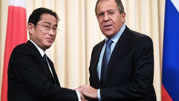 Russian Foreign Minister Lavrov meets with Japanese counterpart Kishida - Sputnik International