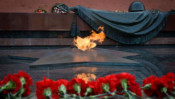 The Tomb of the Unknown Soldier in Moscow's Alexander Garden - Sputnik International