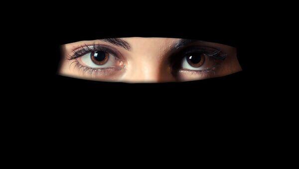Muslim girl in veil  - Sputnik International