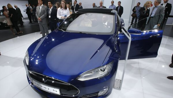 A Tesla Model S is on display on the first press day of the Frankfurt Auto Show IAA in Frankfurt, Germany - Sputnik International
