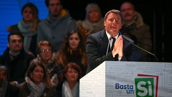Italian Prime Minister Matteo Renzi speaks during the last rally for a Yes vote in the upcoming referendum about constitutional reform, in Florence, Italy, December 2, 2016. - Sputnik International