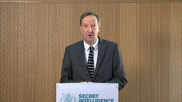 MI6 chief Alex Younger speaks at MI6's Vauxhall Cross headquarters in central London, in this still image from video, Britain December 8, 2016. - Sputnik International