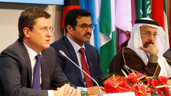 (L-R) Russia's Energy Minister Alexander Novak, OPEC President and Qatar's Energy Minister Mohammed al-Sada and Saudi Arabia's Energy Minister Khalid al-Falih address a news conference after a meeting of the Organization of the Petroleum Exporting Countries (OPEC) in Vienna, Austria, December 10, 2016 - Sputnik International