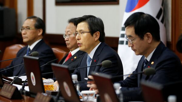 South Korean Prime Minister and the acting President Hwang Kyo-ahn speaks during a cabinet meeting at the Goverment Complex in Seoul, South Korea, December 9, 2016 - Sputnik International
