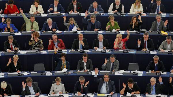 Members of the European Parliament take part in a voting session at the European Parliament in Strasbourg, France, December 14, 2016.  - Sputnik International