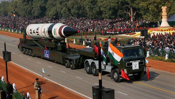 The long range ballistic Agni-V missile is displayed during Republic Day parade, in New Delhi, India. - Sputnik International