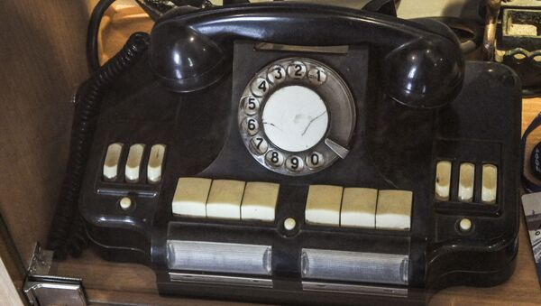 Телефонный аппарат в музее - Sputnik International