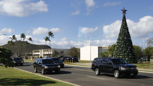 A motorcade with President Barack Obama aboard is seen from the media van as it drives from Marine Corps Base Hawaii, in Kaneohe Bay, Hawaii, Saturday, Dec. 17, 2016. - Sputnik International