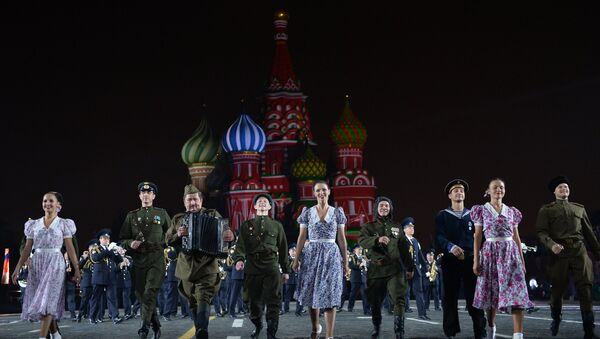 The Alexandrov Song and Dance Ensemble of the Russian Army during the final rehearsal of the opening ceremony of the 2015 International Military Music Festival 'Spasskaya Tower' on Moscow's Red Square. (File) - Sputnik International