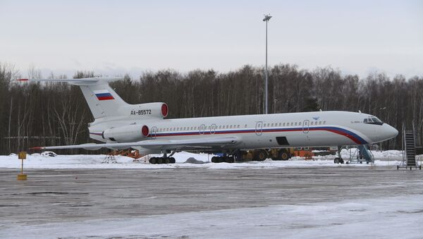 A Tupolev Tu-154 stands on the tarmac of the Chkalovsky military airport north of Moscow, Russia. (File) - Sputnik International