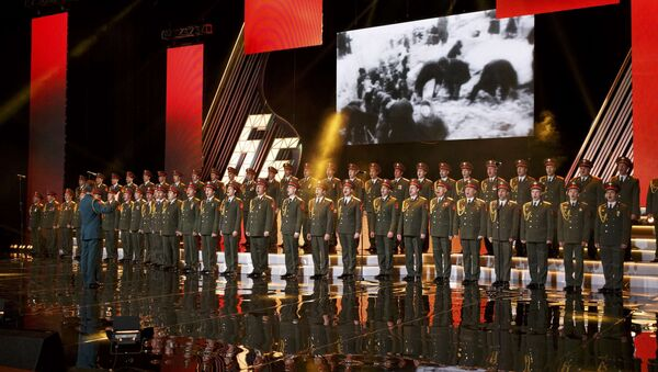 Singers and orchestra members of Red Army Choir, also known as the Alexandrov Ensemble, perform in Moscow, Russia March 31, 2016 - Sputnik International