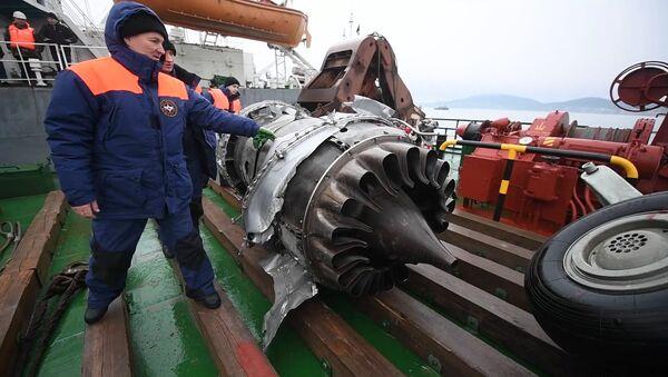 Retrieved wreckage of the Tu-154 aircraft which crashed into the Black Sea near Sochi - Sputnik International