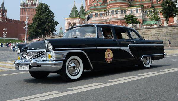 Russia's Largest Car Manufacturer Celebrates 85 Years of Service - Sputnik International