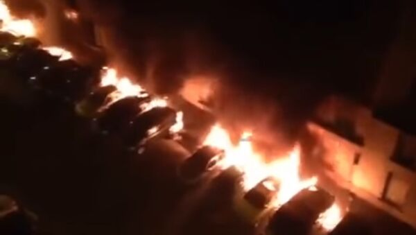 Cars set ablaze in France, New Year's Eve 2016 - Sputnik International