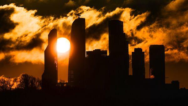 Sunrise over the Moscow City district - Sputnik International