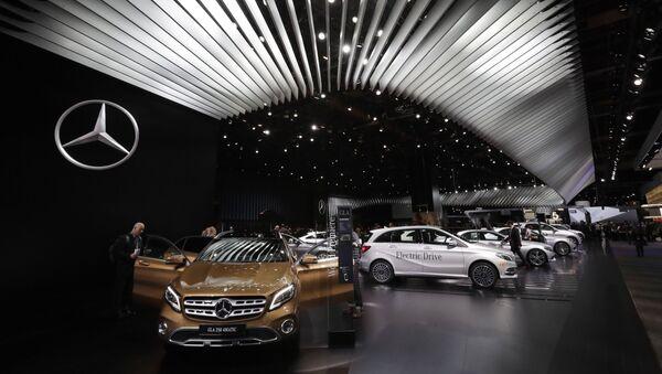 Mercedes cars at a show in Detroit - Sputnik International