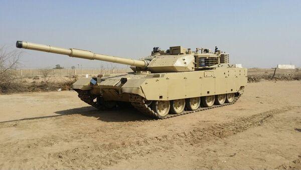 A Chinese VT-4 MBT in desert camo. - Sputnik International