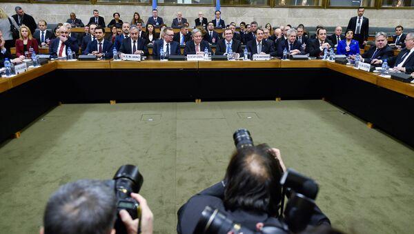 Turkish Cypriot leader Mustafa Akinci, UN Secretary-General Antonio Guterres and Cypriot President Nicos Anastasiades attend the Cyprus reunification talks at the United Nations in Geneva, Switzerland, January 12, 2017. - Sputnik International