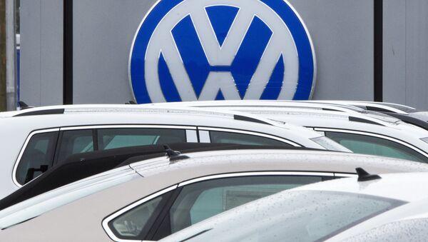 This file photo taken on September 29, 2015 shows the logo of German car maker Volkswagen seen at a northern Virginia dealer in Woodbridge, Virginia - Sputnik International