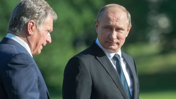 July 1, 2016. President Vladimir Putin (right) and President of the Republic of Finland Sauli Niinisto before a joint news conference following their meeting in Naantali. - Sputnik International