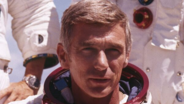 U.S. American navy commander and astronaut for the upcoming Apollo 17, Eugene Cernan, is pictured in his space suit, 1972. - Sputnik International