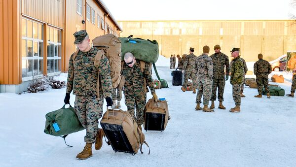 U.S. Marines, who are to attend a six-month training to learn about winter warfare, arrive in Stjordal, Norway January 16, 2017. - Sputnik International