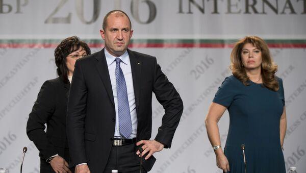 Newly-elected Bulgarian President Rumen Radev and Vice President Iliyana Yotova (File) - Sputnik International