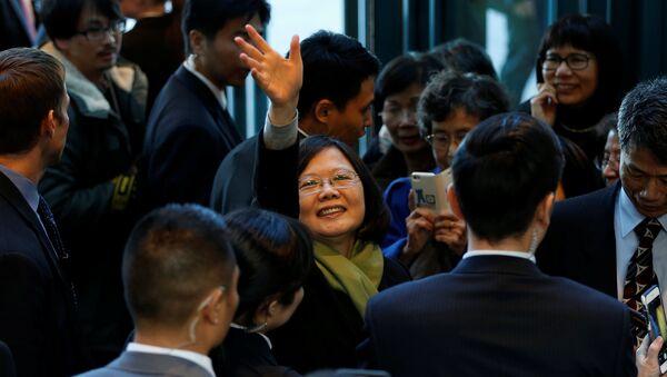 Taiwan President Tsai Ing-wen waves to supporters (File) - Sputnik International